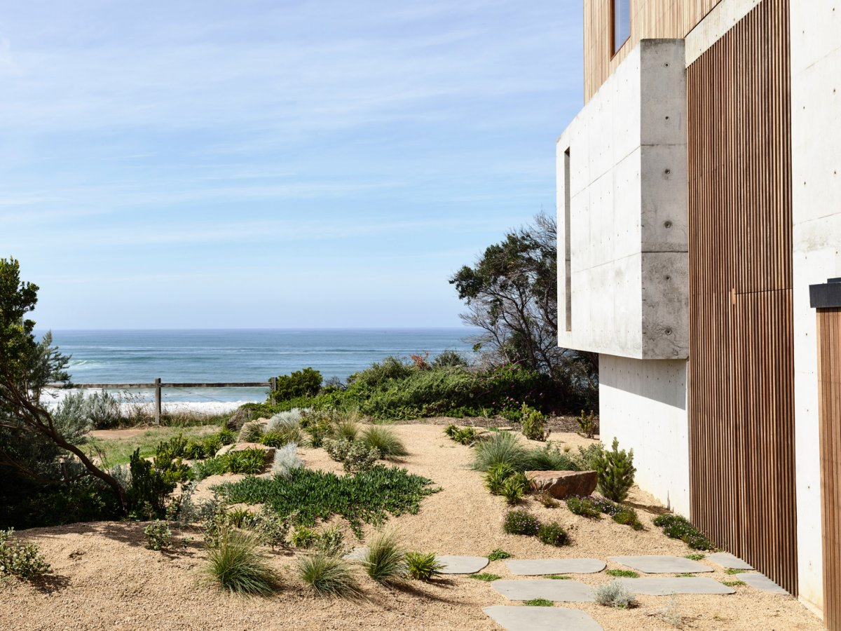 Cliff House Designed by Auhaus Architecture