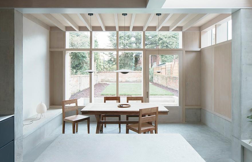 DGN Studio | Concrete Plinth House
