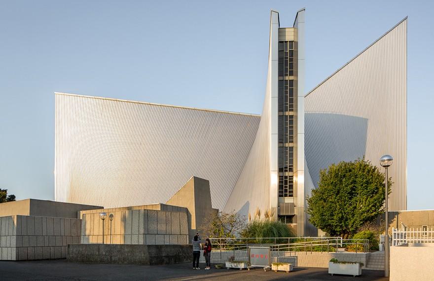 丹下健三 | 东京圣玛丽大教堂(由James Florio摄影)