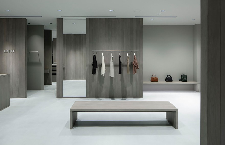 Case-Real   Loeff Tokyo Midtown